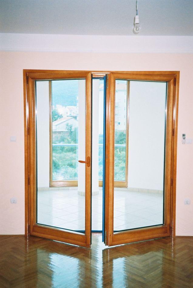 Stambena zgrada Budva - Dvokr. vrata drvo-al sa gr 2