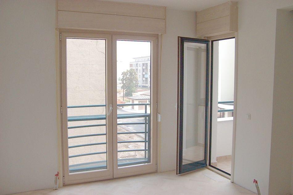 Stambena zgrada Niksic - Prozori drvo-aluminum sa al. rol 2